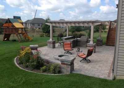 Knobhill_Paver_Patios-34