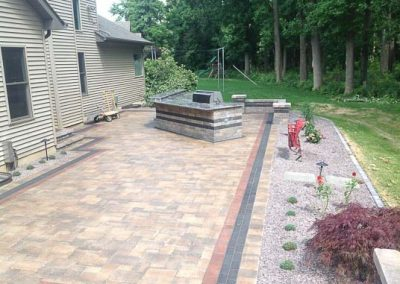 Knobhill_Paver_Patios-45